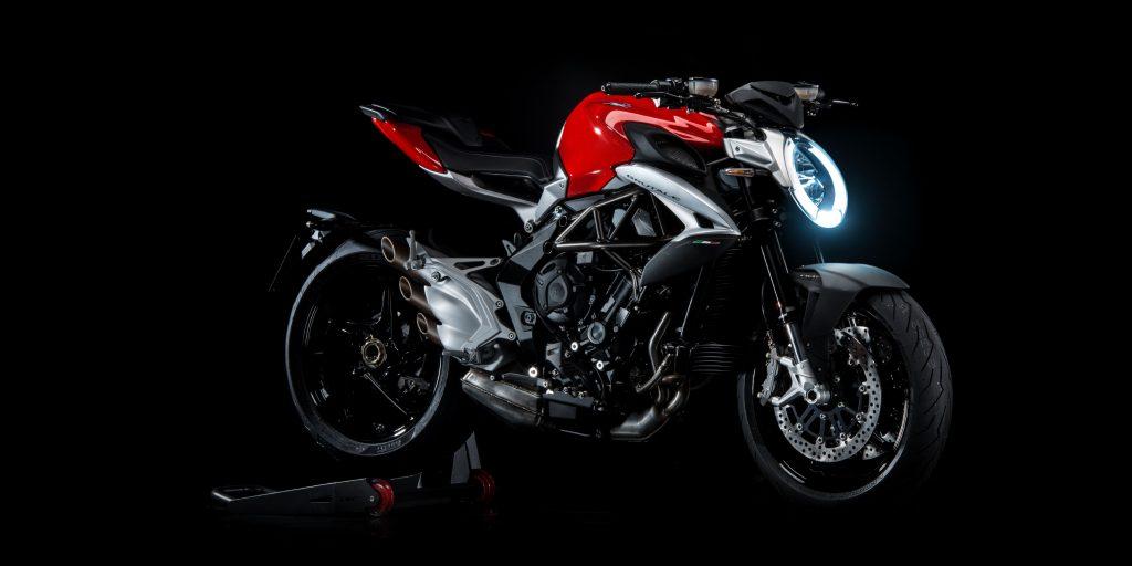c6 BRUTALE 800 אדום